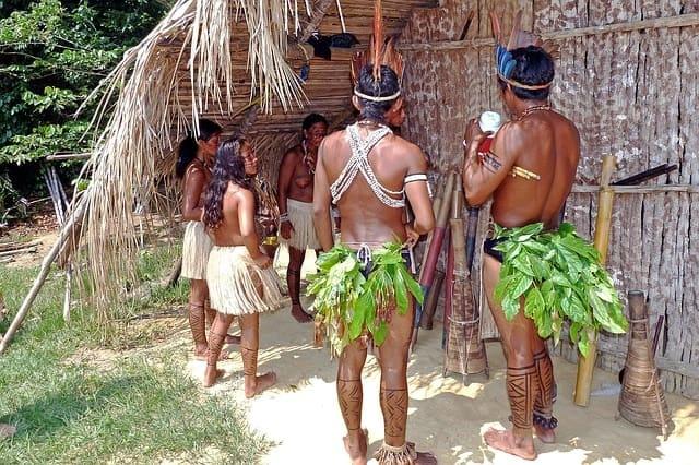 trajes tipicos del amazonas