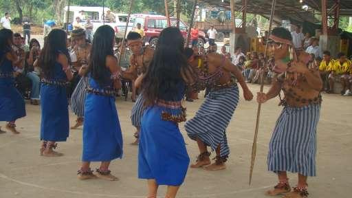 danza shuar: fiesta de cosecha ecuador